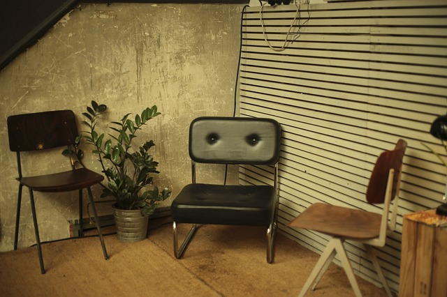 chairs-690840_640